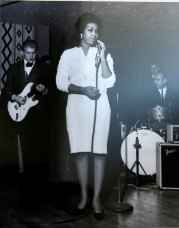 Aretha Franklin chante à la New Bethel Baptist Church, à Détroit, sur cette photo non datée fournie par l'église [HO / NEW BETHEL BAPTIST CHURCH/AFP]