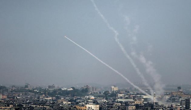Des tirs de roquettes depuis Gaza vers Israël, le 14 juillet 2018 [Bashar TALEB / AFP]