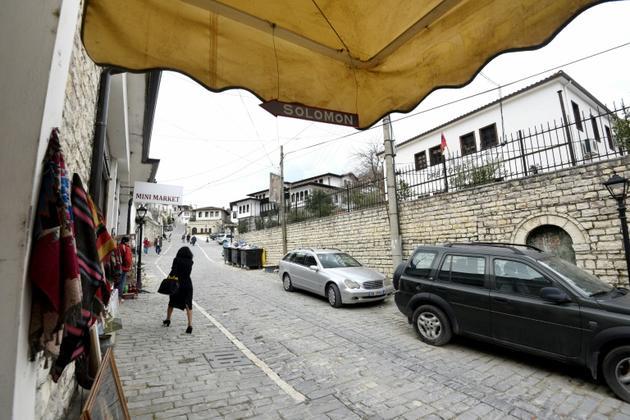 """L'entrée du """"Musée Salomon"""" à Berat, le 6 février 2019 en Albanie [Gent SHKULLAKU / AFP]"""