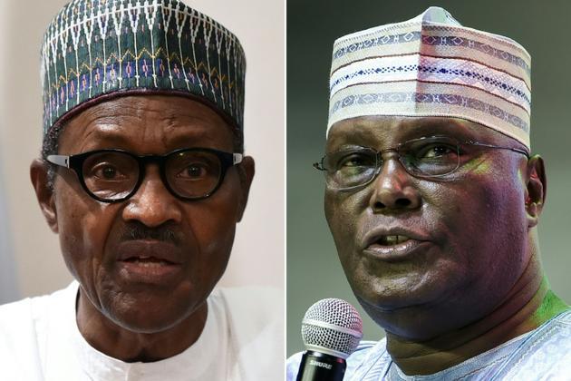 Les deux principaux candidats à la présidentielle de samedi au Nigeria: le président sortant Muhammadu Buhari (G) et son adversaire Atiku Abubakar (D) [PIUS UTOMI EKPEI / AFP/Archives]
