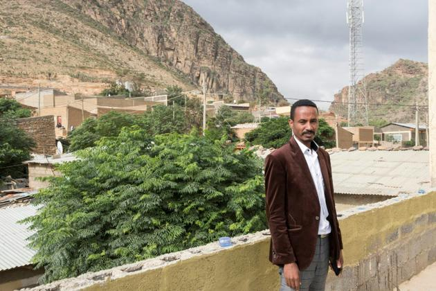 L'administrateur local Niguse Hagos pose dans la ville de Dawhan, à la frontière érythréo-éthiopienne, le 13 juillet 2018. [Maheder HAILESELASSIE TADESE / AFP]