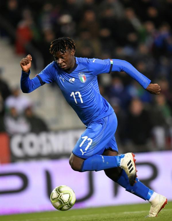 Moïse Kean, jeune attaquant international italien, contrôle le ballon, en amical contre les Etats-Unis, le 20 novembre 2018 à Genk en Belgique [JOHN THYS / AFP/Archives]