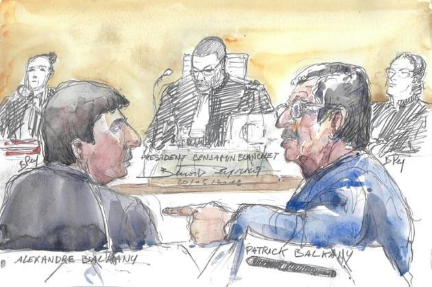 Croquis d'audience de Patrick Balkany (d) et de son fils Alexandre (g), au tribunal à Paris, le 20 mai 2019 [Benoit PEYRUCQ / AFP/Archives]