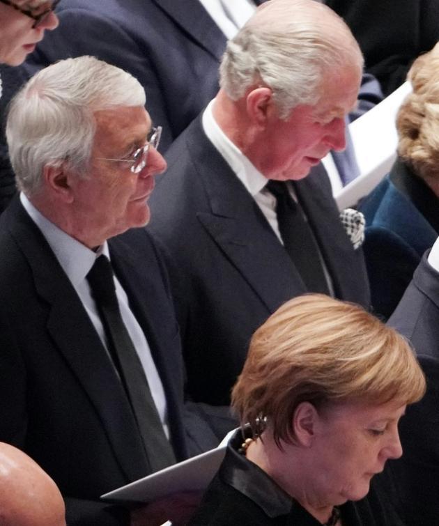 L'ex-Premier ministre britannique John Major (à gauche), à côté du prince Charles et derrière la chancelière allemande Angela Merkel, lors des funérailles de l'ancien président américain George H. W. Bush, le 5 décembre 2018 à Washington [MANDEL NGAN / AFP/Archives]