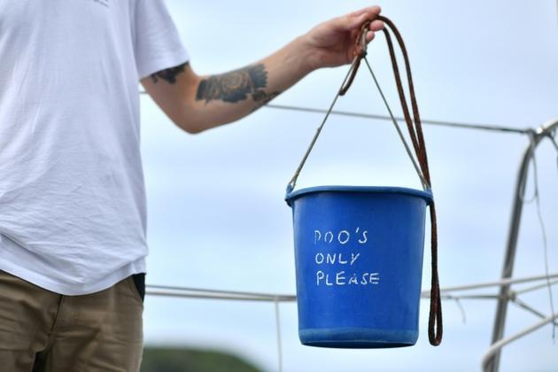 Le seau sanitaire du voilier Malizia II, à bord duquel l'activiste suédoise Greta Thunberg va traverser l'Atlantique [Ben STANSALL / AFP]