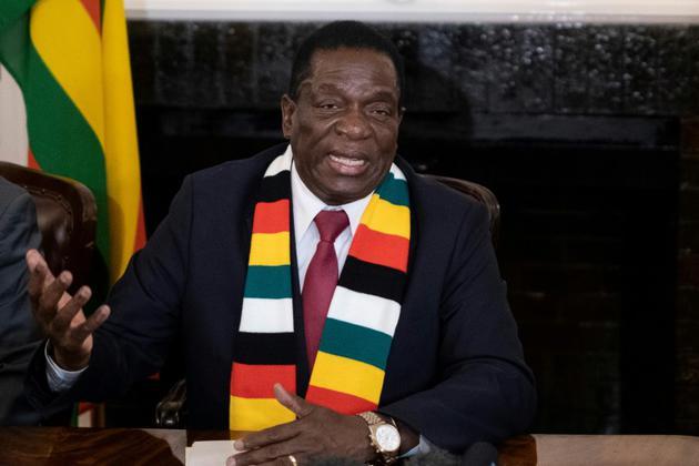 Le président élu Emmerson Mnangagwa lors d'une conférence de presse, le 3 août 2018 à Harare, au Zimbabwe [MARCO LONGARI / AFP]