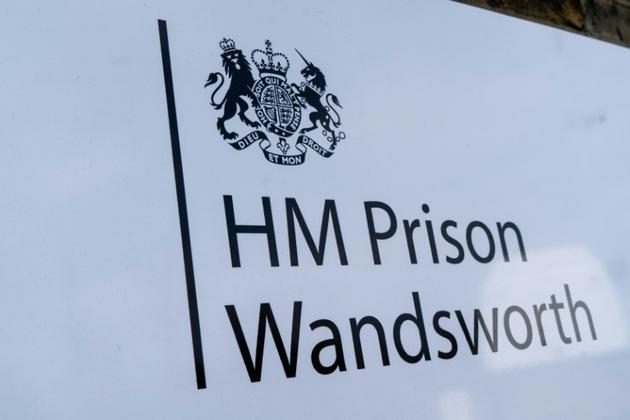 Le panneau de la prison britannique où Julian Assange est présumé être détenu [Niklas HALLE'N / AFP]