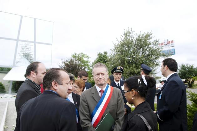Le maire socialiste de Gonesse (Val-d'Oise) le 25 juillet 2010 à Gonesse [BERTRAND LANGLOIS / AFP/Archives]
