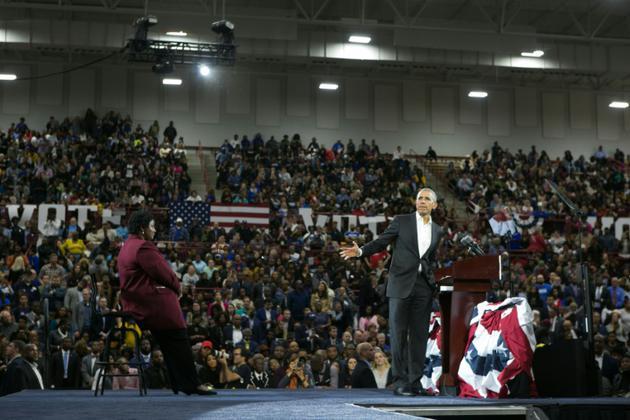 Barack Obama le 2 novembre 2018 à Atlanta, en Géorgie, en soutien à la candidate démocrate Stacey Abrams (g) [Jessica McGowan / Getty/AFP/Archives]
