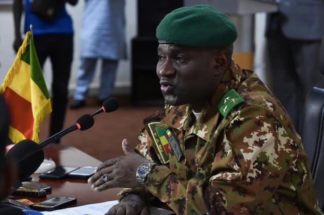 Le ministre malien de la Sécurité publique, le général Salif Traoré, lors d'une conférence de presse à Bamako le 13 août 2018 [ISSOUF SANOGO / AFP]