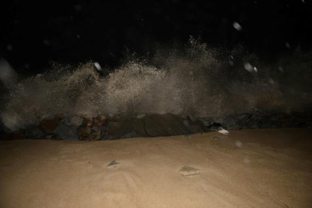 Des vagues déferlent sur la côte à l'approche de la tempête tropicale Pabuk, le 3 janvier 2019, dans la province thaïlandaise de Narathiwat [Madaree TOHLALA / AFP]