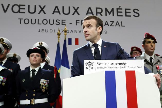 Emmanuel Macron lors de la cérémonie des voeux aux armées à la BA 101 de Toulouse-Francazal, le 17 janvier 2019 [GUILLAUME HORCAJUELO / POOL/AFP]