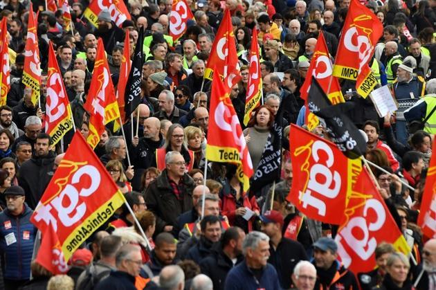 Manifestants de la CGT à Marseille, contre la réforme des retraites, le 5 décembre 2019 [Clement MAHOUDEAU / AFP]