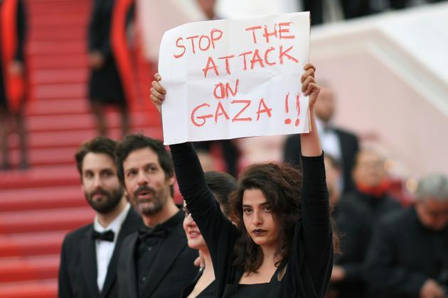 L'actrice franco-libanaise Manal Issa, à Cannes le 15 mai 2018 [LOIC VENANCE / AFP/Archives]