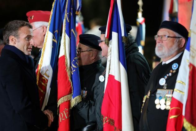 Emmanuel Macron avec des vétérans, le 7 novembre 2018 à La Flamengrie [LUDOVIC MARIN / POOL/AFP]