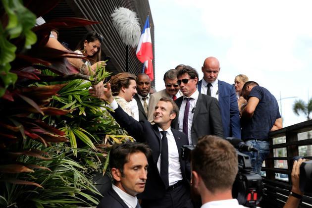Le président Emmanuel Macron à son arrivée sur l'île de saint Barthelemy le 30 septembre 2018 [Thomas SAMSON / POOL/AFP]