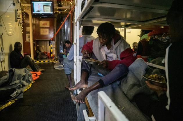 Des migrants secourus en Méditerranée à bord du  Sea Watch 3, le 5 janvier 2019 [FEDERICO SCOPPA / AFP]