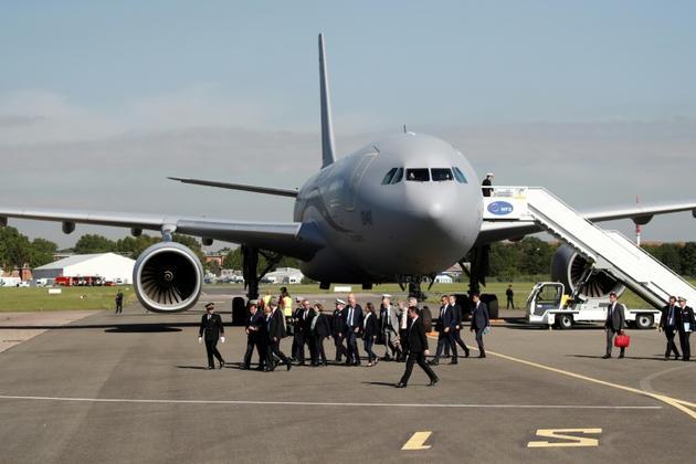 Le nouvel avion ravitailleur de l'armée de l'Air française, l'A330 MRTT, utilisé par Emmanuel Macron pour son arrivée au salon du Bourget, le 17 juin 2019  [BENOIT TESSIER / POOL/AFP]