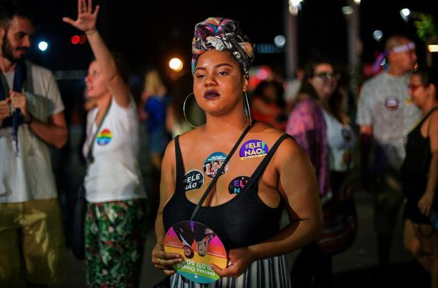 Manifestation contre le candidat d'extrême droite à la présidentielle brésilienne Jair Bolsonaro, le 29 septembre 2018 à Rio de Janeiro [CARL DE SOUZA / AFP]