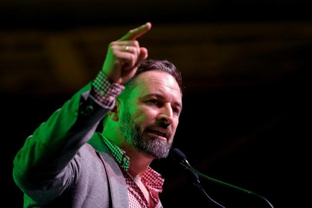 Le leader du parti d'extrême droite Vox, Santiago abascal, prononce un discours durant un meeting de campagne, à L'Hospitalet del Llobregat, près de Barcelone, le 31 octobre 2019 [Pau Barrena / AFP/Archives]