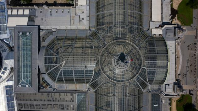 Vue aérienne de la verrière du Grand Palais, le 8 juillet 2019 à Paris [Eric Feferberg / AFP]