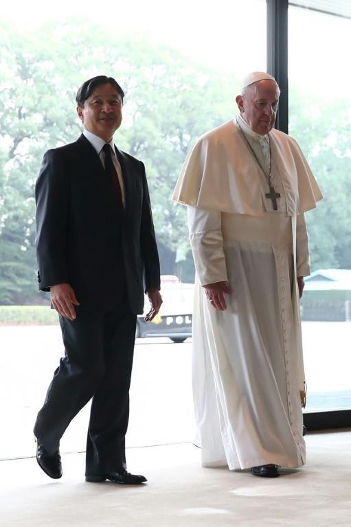 L'Empereur du Japon Naruhito et le pape François au palais impérial de Tokyo le 25 novembre 2019 [Behrouz MEHRI / AFP]
