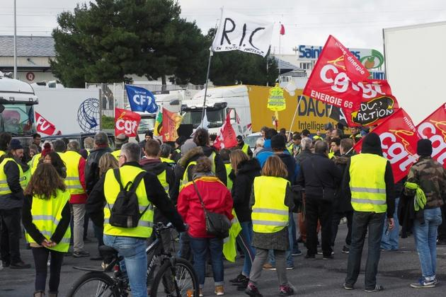 Gilets jaunes et militants CGT mêlés à Perpignan le 5 février 2019 [RAYMOND ROIG / AFP/Archives]