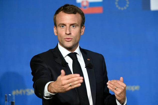 Le président français Emmanuel Macron s'exprime devant un public pro-européen à Bratislava, en Slovaquie, le 26 octobre 2018 [Bertrand GUAY / AFP]
