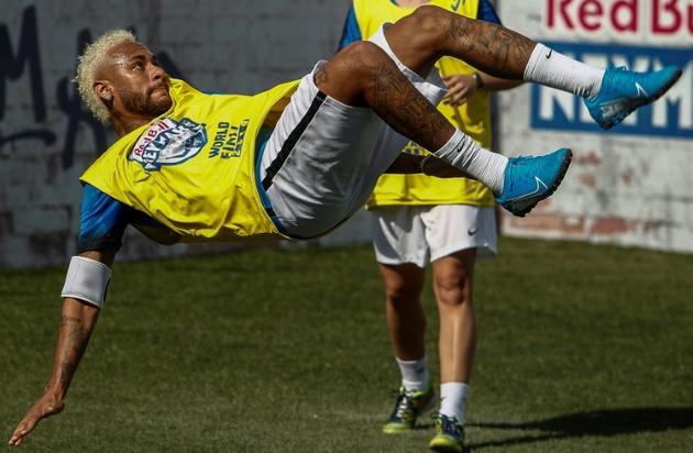 Le Brésilien Neymar lors d'un match de charité à Sao Paulo, le 13 juillet 2019 [Miguel SCHINCARIOL / AFP]