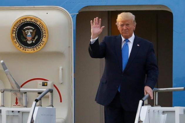 Le président américain Donald Trump à son arrivée en Corée du Sud, à la base aérienne d'Osan le 29 juin 2019 [KIM HONG-JI / POOL/AFP]