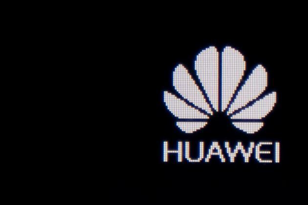 Huawei a été placé courant mai par Washington sur une liste d'entreprises suspectes auxquelles les entités américaines ne peuvent vendre d'équipements technologiques [NICOLAS ASFOURI / AFP/Archives]