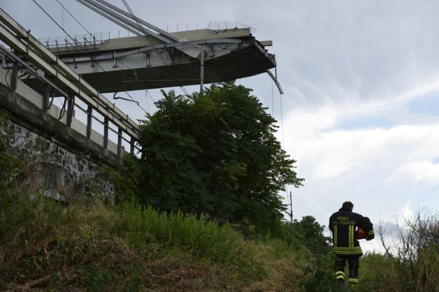 Le pont s'est effondré sur plus de 200 mètres de longueur, le 14 août 2018 à Gênes [PIERO CRUCIATTI / AFP]