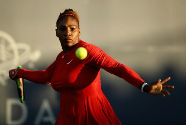 L'Américaine Serena Williams face à la Britannique Johanna Konta au 1er tour du tournoi de San José, le 31 juillet 2018 [EZRA SHAW / GETTY/AFP]