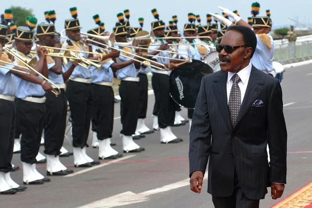 Le défunt président gabonais Omar Bongo Ondimba, le 2 décembre 2007 à Libreville, à l'occasion de ses 40 ans de pouvoir [WILS YANICK MANIENGUI / AFP/Archives]