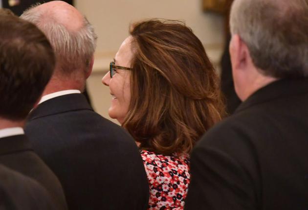 Gina Haspel, choisie par Donald Trump pour être directrice de la CIA, assiste à la prestation de serment de son ancien chef, Mike Pompeo, comme secrétaire d'Etat le 2 mai 2018 à Washington  [MANDEL NGAN / AFP]