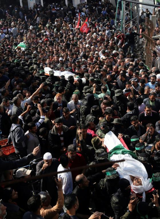 Funérailles le 12 novembre 2018, à Khan Younès, de trois des 7 Palestiniens tués lors d'une opération nocturne des forces spéciales israéliennes dans la bande de Gaza [MAHMUD HAMS / AFP]