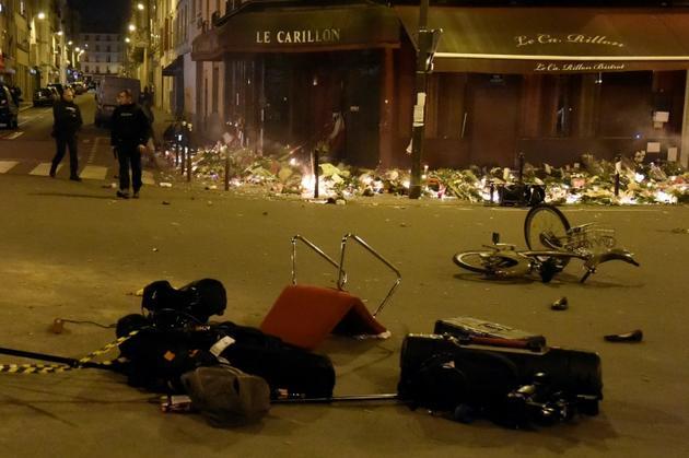 La terrasse du restaurant Le Petit Carillon soufflée par l'attentat du 13 novembre 2015 à Paris [Dominique FAGET / AFP/Archives]