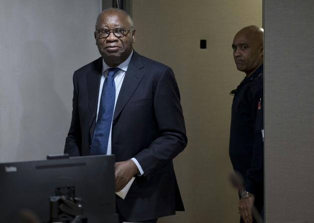 L'ex-président ivoirien Laurent Gbagbo arrive au tribunal de La Haye lors de son procès pour crimes contre l'humanité, le 26 janvier 2016 [Peter Dejong / POOL/AFP/Archives]