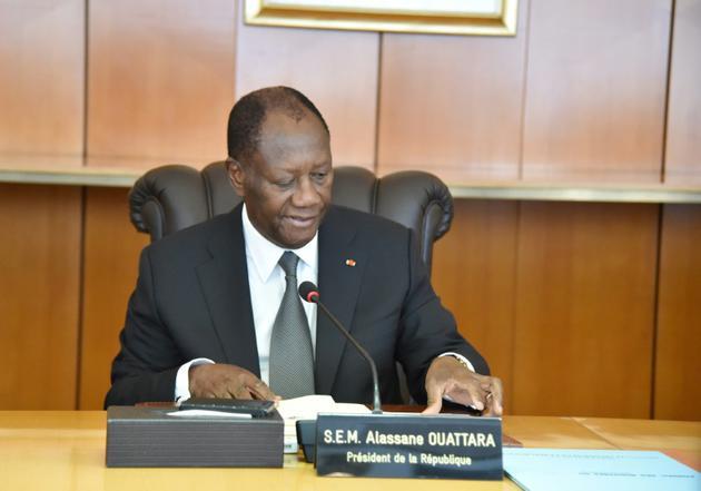 Le président ivoirien Alassane Ouattara préside une réunion de son nouveau gouvernement le 11 juillet 2018 au palais présidentiel à Abidjan  [SIA KAMBOU / AFP/Archives]