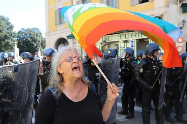 Geneviève Legay lors de la manifestation des gilets jaunes, le 23 mars 2019 à Nice [Valery HACHE / AFP]