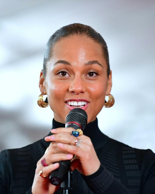 Alicia Keys, détentrice de 15 Grammy Awards, anime la soirée de gala de la 61e édition à Los Angeles [Frederic J. BROWN / AFP/Archives]