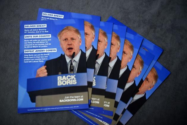 Tracts de soutien à Boris Johnson distribués lors d'un meeting du Parti conservateur le 22 juin 2019 à Birmingham [Oli SCARFF                           / AFP]
