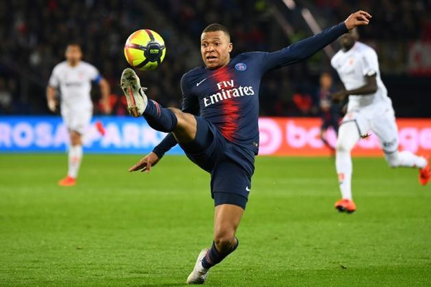 L'attaquant du PSG Kylian Mbappé auteur d'un doublé lors de la victoire 4-0 face à Dijon au Parc des Princes en avant-dernière journée de L1 le 18 mai 2019 [FRANCK FIFE / AFP]