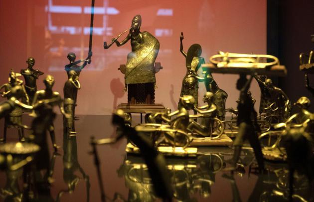 Des statues du royaume du Dahomey mettant en scène la cérémonie Ato, le 18 mai 2018 au musée du Quai Branly  [GERARD JULIEN / AFP/Archives]