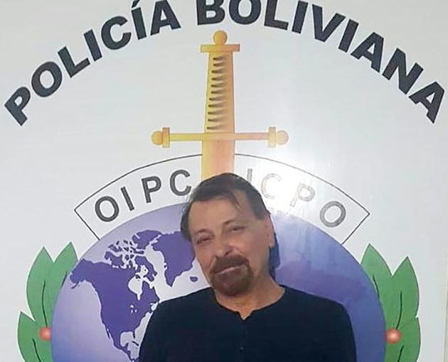 Photo fournie le 13 janvier 2019 par la police bolivienne de l'ex-militant d'extrême gauche italien Cesare Battisti après son arrestation [HO / Bolivian Police/AFP]