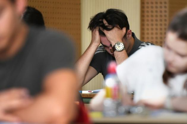 Des lycéens planchent sur l'épreuve de philosophie du baccalauréat, le 18 juin 2018 au lycée Pasteur, à Strasbourg [FREDERICK FLORIN / AFP/Archives]