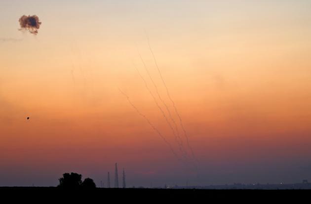 Des tirs du système de défense anti-missiles israélien interceptant des roquettes tirées de la bande de Gaza le 12 novembre 2018  [Jack GUEZ / AFP]