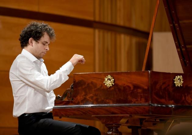 Le pianiste français Benjamin d'Anfray lors du concours Chopin sur pianos d'époque, à Varsovie le 4 septembre 2018 [JANEK SKARZYNSKI / AFP/Archives]