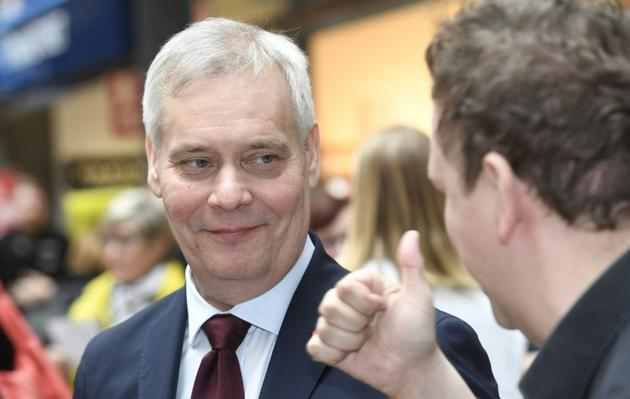 Le candidat social-démocrate Antti Rinne, donné favori du scrutin par les sondages, le 13 avril 2019 à Espoo (Finlande) [Heikki Saukkomaa / Lehtikuva/AFP]