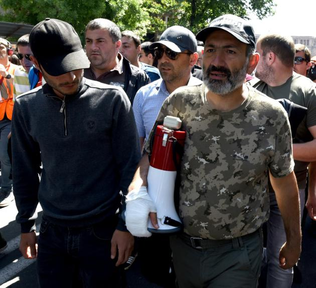 La contestation reprend, la Russie se place en médiateur — Arménie